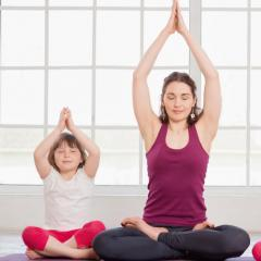Familienyoga mit Beate